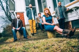 The Honeycutters are (right to left) Matt Smith, Josh Milligan, Rick Cooper, Amanda Anne Platt & Tal Taylor. Photo by Sandlin Gaither.
